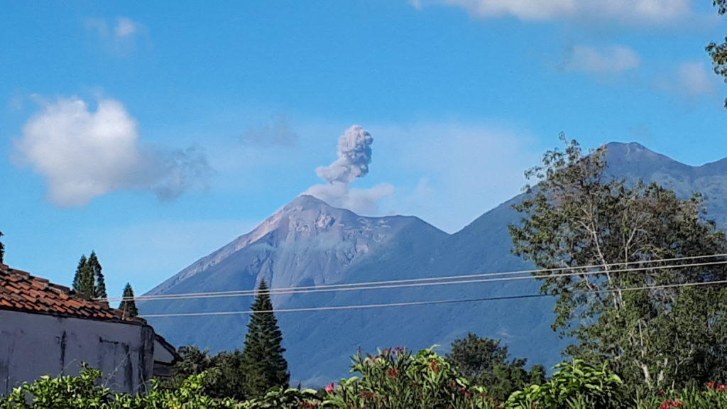 Volcan Fuego spews out ash