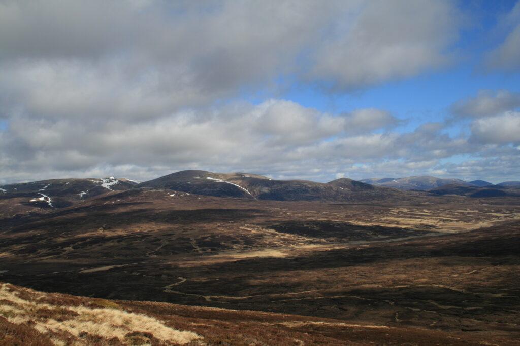 Monadh Mor and Beinn Bhrotain to the north